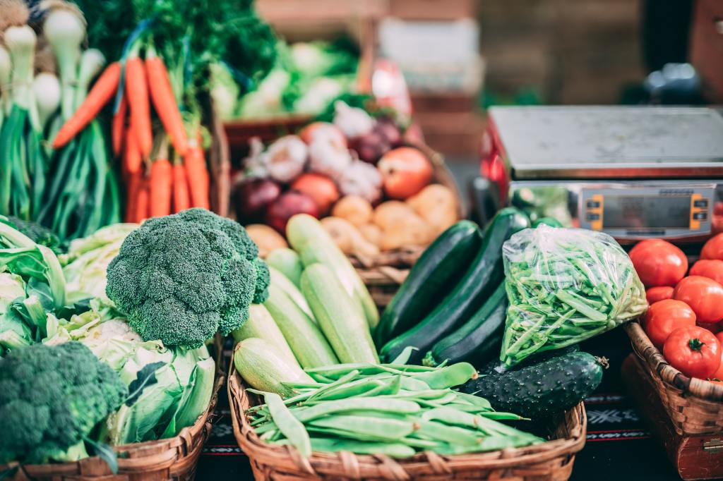 What vegetables and fruits can I eat on keto?